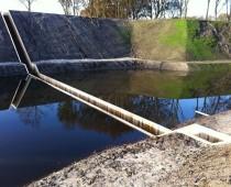 Most pod hladinou